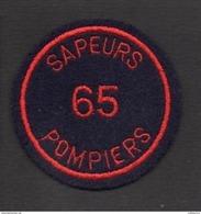 """Pompiers / Insigne Ou écusson D'épaule ( Neuf )  En Tissu """" Sapeurs Pompiers 65 """" Hautes Pyrénées - Brandweer"""