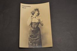 Carte Postale Publicité Chaussures Suisse BALLY Femme Aux Fleurs - Pubblicitari