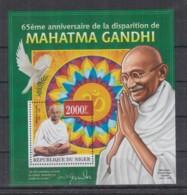 Y225. Niger - MNH - 2013 - Famous People - Mahatma Gandhi - Bl - Célébrités