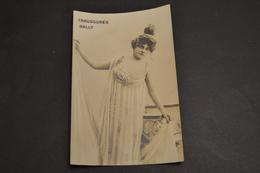 Carte Postale Publicité Chaussures Suisse BALLY Femme Tenue De Soirée - Publicité