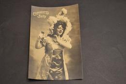Carte Postale Publicité Chaussures Suisse BALLY Femme Tenue De Soirée Chapeau - Publicité