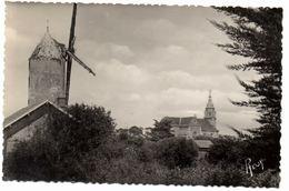 Saint Michel Chef Chef : Le Vieux Moulin Et L'église. (ED Chapeau) - Saint-Brevin-l'Océan