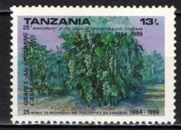 TANZANIA - 1990 - 25° ANNIVERSARIO DELL'UNIONE TRA ZANZIBAR E TANGANYKA - UVA - MNH - Tanzania (1964-...)