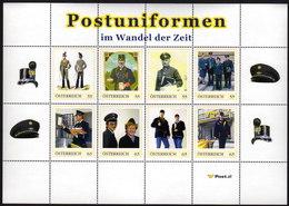 ÖSTERREICH 2010 ** Post Uniformen Im Wandel Der Zeit - PM Personalisierter Block Im Folder MNH - Post