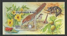 """Madagascar Bloc YT 43 """"  Oiseau Et Rotary """" 1988 Neuf** - Madagascar (1960-...)"""