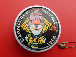 Insigne -  Carnaval De Mulhouse 1968 - Yoyo - Carnaval