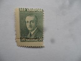 (Albanie.....1925 - Timbre Fauté, Perforation Décalée ??)  -  Président Ahmed Zogu........voir Scans - Albania