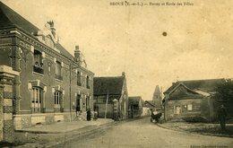 28 BROUE La Poste & Ecole Des Filles 1918 - Sonstige Gemeinden