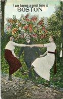 I AM HAVING A GRAT TIME IN BOSTON. U.S.A. POSTAL CPA CIRCA 1910's NON CIRCULÉ - LILHU - Boston