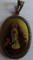 Ancien Médaillon Cuivre Avec Image La Vierge L'apparition - Religion & Esotérisme