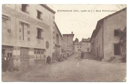 FOURNOLS (63, Puy De Dôme) (altitude 1040m) - Rue Principale - France