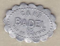 42 . Loire. Saint Etienne. Café Badel  12 ½ Centimes , En Aluminium Ovale Lobé - Monétaires / De Nécessité