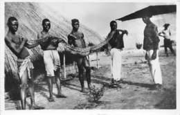 GUINEE FRANCAISE Capture D Un Serpent Boa Ayant Avale Un Chien VIALLA Chasseur De Caimans 22(scan Recto-verso) MA239 - Guinée Française