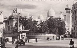 Constantine - Place De La Pyramide Et Eglise Du Sacré Coeur - Animée - Moto Side-Car - Constantine