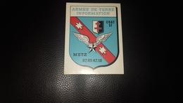 Autocollant  Armée De Terre Information 57 à Metz - Autocollants