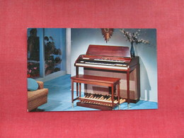 The New Conn Rhapsody  Elmquist Music & Sound Rockford Il.   -  Ref 3319 - Advertising