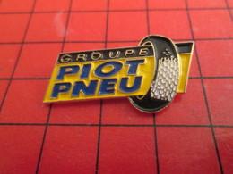 912a Pin's Pins / Rare Et De Belle Qualité / THEME AUTOMOBILE : GROUPE PIOT PNEU - Pins