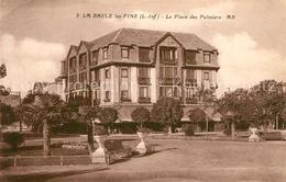13530790 La_Baule-les-Pins La Place Des Palmiers La_Baule-les-Pins - France