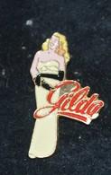 Rare Pin's Pin-up Gilda - Pin-ups