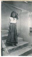 PHoto D'une Jolie Jeune Fille En Juillet 1951 Dans Une Belle Et Longue Robe A Identifier - Lieux