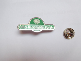 Beau Pin's , Office National Des Forêts , Nature , Arbre - Badges