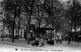 2855 Cpa Saint Amand Montrond - La Place Carrée - Saint-Amand-Montrond