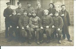 Un Groupe De Soldats En Sabots Et Chaussures-carte Photo - War 1914-18