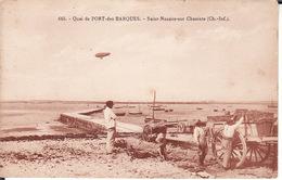 CPA 17 -- SAINT NAZAIRE SUR CHARENTE -- Plage De PORT Des BARQUES Animée + ZEPPELIN - France