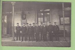 VILLEFRANCHE SUR SAONE : Carte Photo, Le Personnel De La Gare, 1913.  2 Scans. - Villefranche-sur-Saone