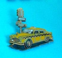 1 PIN'S //  ** TAXI YELLOW CAB NEWYORK ** . (Démons & Merveilles) - Pin's