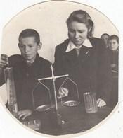 UKRAINE. #1819 A PHOTO. CHILDREN. SCHOOL, EXPERIENCE IN LESSON. LABORATORY. *** - Film Projectors