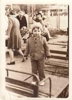 """UKRAINE. #1835 A PHOTO. """"CHILDREN. BOY ON HANGERS. CHILDREN'S PLAYGROUND.  *** - Proyectores De Cine"""