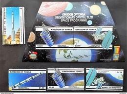 # Tonga 2000**Mi.1574-77 + Bl.38 Telecommunication Satellites Over Tonga , MNH  [21;145] - Space
