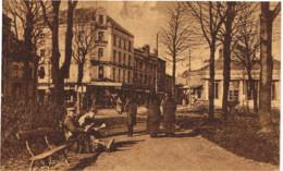 ARDENNES 08.CHARLEVILLE FELDPOSTKARTE RUE DE LA GARE ET RUE FOREST - Charleville