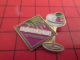 912b Pins Pin's / Rare & De Belle Qualité  THEME : ALIMENTATION / FRIGECREME BOULES DE GLACE SORBET - Alimentación