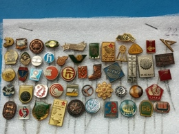 50 Pins Lot - EX Yugoslavia ( Croatia, Serbia, Slovenia, Bosnia And Herzegovina, Macedonia, Montenegro) - Badges