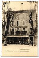 BARCELONNETTE - LA PLACE MANUEL - LA TERRASSE DU CAFE DU COMMERCE - BONNE ANIMATION - Barcelonnette