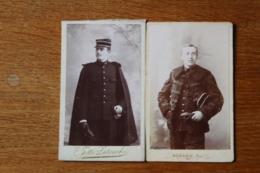 2 Cdv Militaires  Medecins  Belles Tenues Vers 1900 - Guerra, Militares