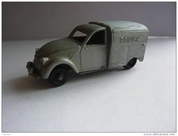 2 CV CITROËN FOURGONETTE . CADEAUX BONUX . CLÉ MADE IN FRANCE - Réf. N°10J - - Cars & 4-wheels