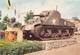 .CPM - CPM - BASTOGNE - Buste Du Général Mac Auliffe Et Tank - Bastogne