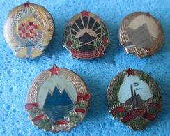 YUGOSLAVIA 5 OLD BADGES, THE NATIONAL EMBLEM - Pin's