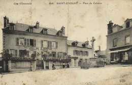 SAINT ENOGAT  Place Du Calvaire HOTEL DE K ARVOR RV - France