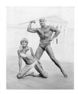 PHOTO HOMME EN MAILLOT DE BAIN CULTURISME CULTURISTE  FORMAT  15 X 12.50 CM - Sports