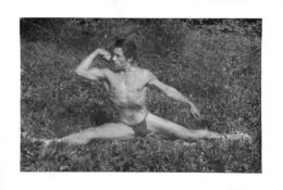 PHOTO HOMME EN MAILLOT DE BAIN CULTURISME CULTURISTE  FORMAT  10.50 X 7.50 CM - Sports