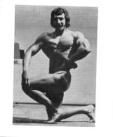 PHOTO HOMME EN MAILLOT DE BAIN CULTURISME CULTURISTE  FORMAT  9 X 7.50 CM - Sports