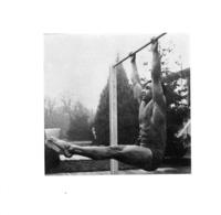PHOTO HOMME EN MAILLOT DE BAIN CULTURISME CULTURISTE  FORMAT  12 X 11.50 CM - Sports