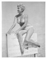 PHOTO  FEMME MAILLOT DE BAIN  BORD DE MER FORMAT 11.50 X 9 CM - Pin-Up