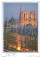 75 - Paris 04 L'île De La Cité - La Conciergerie Et Les Tours De Notre-Dame - éd. Chantal N° NS0457(écrite) - [by Night] - Notre Dame Von Paris
