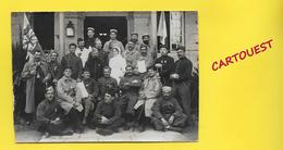 CPA Photographie ֎ Groupe Bléssés Médaillés De GUERRE Militaire Infirmière  ֎ Drapeau Anglais Britanique - Français ֎ - Guerra 1914-18