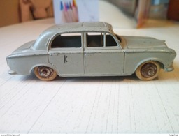 Peugeot 403 Dinky Toys - Voitures